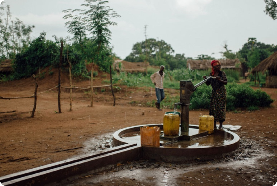 Well established in Mozambique brings clean water and reliable irrigation.